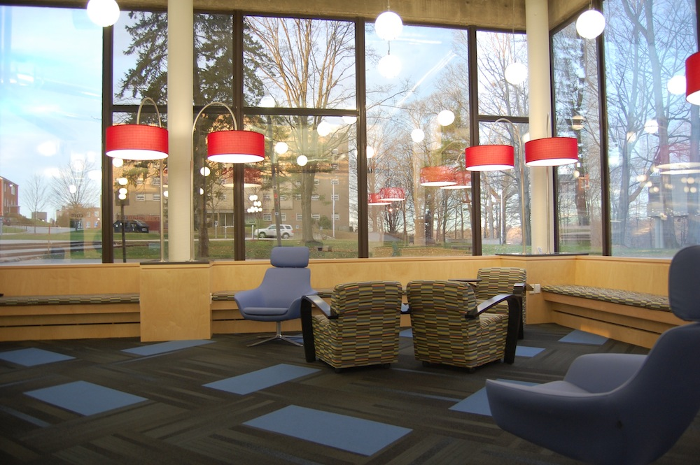 UMass Lowell library sitting area