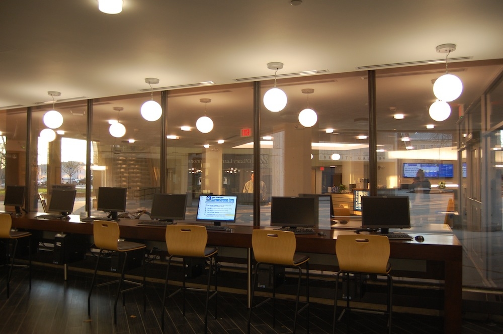 umass lowell learning center computer use desks